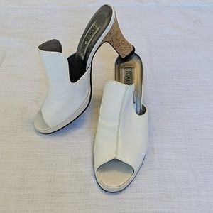 Vintage 70s white leather platform heel mules